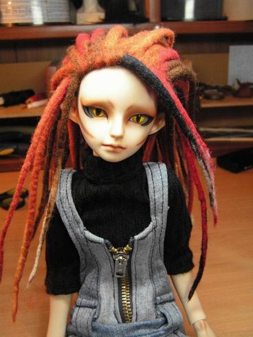 Как сделать парик для куклы видео без трес и ленты